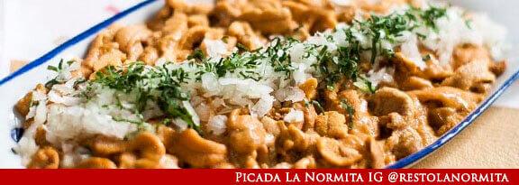 Gato Receta Típica Chilena Erizos de Mar con Salsa Verde