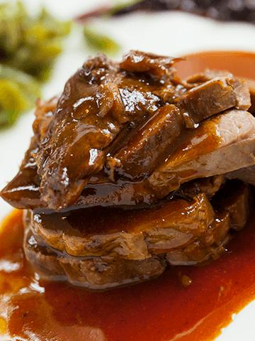 Medallones de Carne al Vino Tinto | Recetas Chilenas