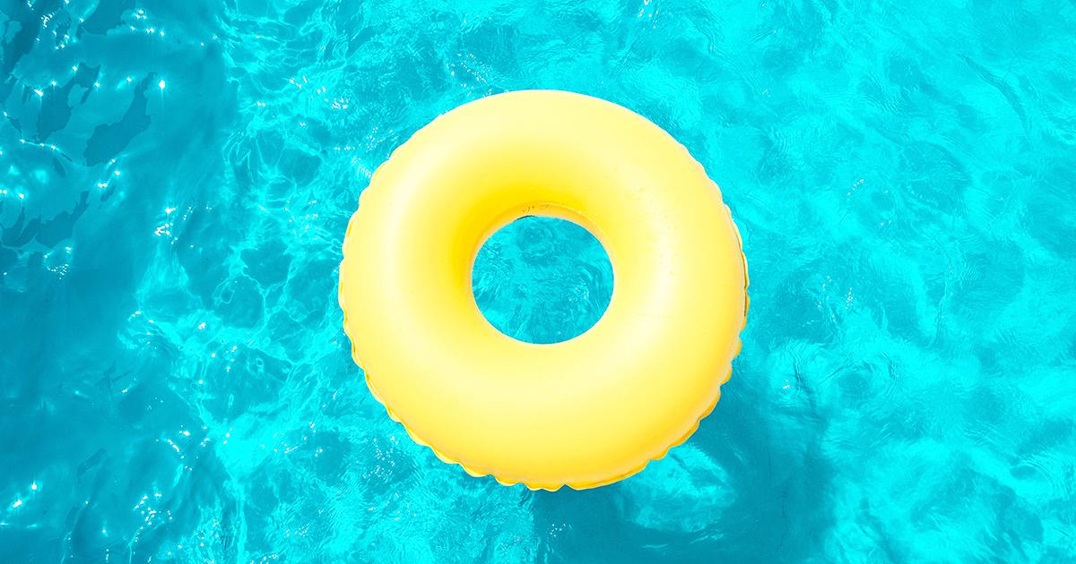 Típico de los días de piscina | Vino Gato