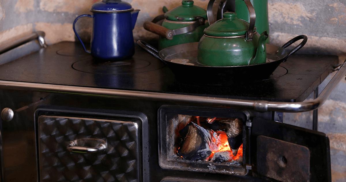 Cocina a Leña | Vino Gato